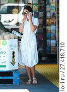 Купить «Vanessa Hudgens goes to Bed Bath and Beyond and Whole Foods Featuring: Vanessa Hudgens Where: Los Angeles, California, United States When: 15 Jul 2016 Credit: WENN.com», фото № 27418710, снято 15 июля 2016 г. (c) age Fotostock / Фотобанк Лори