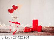 Купить «decorations for Valentine's Day», фото № 27422954, снято 7 января 2018 г. (c) Майя Крученкова / Фотобанк Лори
