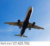 Купить «Passenger plane departing in afternoon», фото № 27425702, снято 21 октября 2018 г. (c) Яков Филимонов / Фотобанк Лори