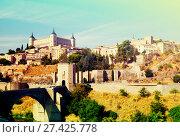 Купить «View of Toledo with Puente de Alcantara», фото № 27425778, снято 23 августа 2013 г. (c) Яков Филимонов / Фотобанк Лори