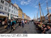 Купить «Denmark, Copenhagen, Nyhavn Canal», фото № 27451398, снято 27 июня 2017 г. (c) age Fotostock / Фотобанк Лори