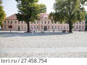 Купить «Old School, Neuruppin, Brandenburg, Germany», фото № 27458754, снято 20 октября 2019 г. (c) age Fotostock / Фотобанк Лори