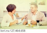 Купить «woman and man drinking tea with cakes», фото № 27464658, снято 17 октября 2018 г. (c) Яков Филимонов / Фотобанк Лори