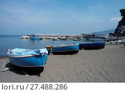 Купить «Fishing boats in the Marina Grande in Sorrento», фото № 27488286, снято 10 июля 2020 г. (c) easy Fotostock / Фотобанк Лори