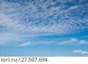 Купить «Небо, лето, облака, лёгкие, летние», эксклюзивное фото № 27507694, снято 9 июля 2017 г. (c) Александр Циликин / Фотобанк Лори
