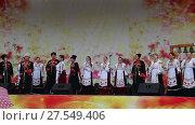 Купить «День города Анапы 23 сентября 2017. Кубанский казачий ансамбль исполняет песни», видеоролик № 27549406, снято 23 сентября 2017 г. (c) Олег Хархан / Фотобанк Лори