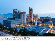 Купить «Cement factory exposed in the night», фото № 27589870, снято 23 октября 2018 г. (c) PantherMedia / Фотобанк Лори