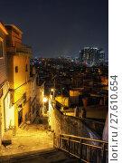 Купить «Haebangchon narrow alleyway», фото № 27610654, снято 17 февраля 2019 г. (c) PantherMedia / Фотобанк Лори