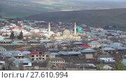Купить «Вид на пятничную Джума мечеть в городе Шемаха. Азербайджан», видеоролик № 27610994, снято 3 января 2018 г. (c) Виктор Карасев / Фотобанк Лори