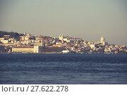 Купить «Blick auf die Skyline von Lissabon und den Tejo Fluss, Portugal », фото № 27622278, снято 16 августа 2018 г. (c) PantherMedia / Фотобанк Лори