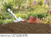 Купить «garden gardens topsoil fertiliser crumb», фото № 27628978, снято 28 мая 2018 г. (c) PantherMedia / Фотобанк Лори