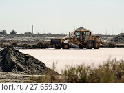 Купить «Site operating sea salt saline Aigues-Mortes», фото № 27659370, снято 20 сентября 2018 г. (c) PantherMedia / Фотобанк Лори