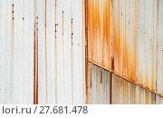 Купить «Metal siding with vertical rust stains.», фото № 27681478, снято 26 мая 2018 г. (c) PantherMedia / Фотобанк Лори