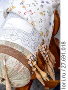 Купить «Bobbin Lace Hands at Work», фото № 27691018, снято 16 мая 2019 г. (c) PantherMedia / Фотобанк Лори