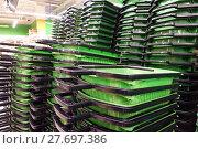Купить «The shopping cart in the store. Service sector.», фото № 27697386, снято 23 января 2018 г. (c) Андрей Шалари / Фотобанк Лори