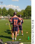 Field lacrosse. Соревнование по лакроссу на траве. Лахти, Финляндия. Запасные игроки (2013 год). Редакционное фото, фотограф Валерия Попова / Фотобанк Лори