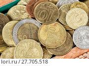 Купить «Монеты различных стран крупным планом», фото № 27705518, снято 15 ноября 2015 г. (c) Евгений Ткачёв / Фотобанк Лори