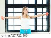Купить «Girl in the gym», фото № 27722806, снято 16 июля 2019 г. (c) PantherMedia / Фотобанк Лори