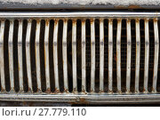 Купить «Radiator grille of retro car», фото № 27779110, снято 14 января 2018 г. (c) Георгий Дзюра / Фотобанк Лори