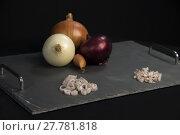 Купить «three kinds of onions», фото № 27781818, снято 14 ноября 2018 г. (c) PantherMedia / Фотобанк Лори