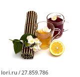 Купить «the twisted table rug, the cut lemon and two mugs with drinks», фото № 27859786, снято 19 июля 2019 г. (c) PantherMedia / Фотобанк Лори