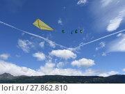 Купить «fly a kite», фото № 27862810, снято 19 октября 2019 г. (c) PantherMedia / Фотобанк Лори
