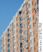 Купить «Четырнадцатиэтажный трёхподъездный панельный жилой дом серии П-44Т, построен в 2006 году. 3-я Парковая улица, 59. Район Северное Измайлово. Город Москва», эксклюзивное фото № 27872702, снято 6 февраля 2018 г. (c) lana1501 / Фотобанк Лори