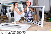 Купить «Manager of workshop for assembly of plastic windows with satisfied female client», фото № 27880754, снято 19 июля 2017 г. (c) Яков Филимонов / Фотобанк Лори