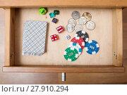 Купить «deck of playing cards in open drawer», фото № 27910294, снято 23 апреля 2018 г. (c) PantherMedia / Фотобанк Лори