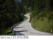 Купить «turracherhöhe,alpine road,steep,zweitsteilste street in europe,mountain pass,pass,pitch,midline», фото № 27910990, снято 17 ноября 2018 г. (c) PantherMedia / Фотобанк Лори