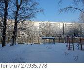 Девятиэтажный шестиподъездный панельный жилой дом серии I-515/9ЮЛ, построен в 1970 году. Хабаровская улица, 21. Район Гольяново. Город Москва (2018 год). Стоковое фото, фотограф lana1501 / Фотобанк Лори