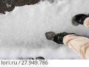 Купить «slipping on snow slippery road», фото № 27949786, снято 23 мая 2019 г. (c) PantherMedia / Фотобанк Лори