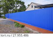 Купить «Blue gate and fence», фото № 27955486, снято 26 мая 2019 г. (c) PantherMedia / Фотобанк Лори