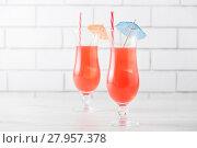 Купить «Fresh home made Singapore Sling cocktails», фото № 27957378, снято 2 апреля 2020 г. (c) PantherMedia / Фотобанк Лори
