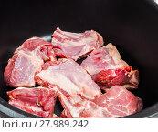 Купить «Chef preparing a traditional norwegian dish, lamb and cabbage», фото № 27989242, снято 16 июня 2019 г. (c) PantherMedia / Фотобанк Лори