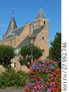 Купить «kasteel in burgh-haamstede,schouwen-duiveland,zeeland,netherland», фото № 27992746, снято 21 марта 2019 г. (c) PantherMedia / Фотобанк Лори