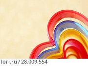 Купить «Абстрактный яркий разноцветный радужный прямоугольный бежевый фон с волнистыми линиями разных оттенков  в форме сердца», фото № 28009554, снято 18 февраля 2018 г. (c) Светлана Евграфова / Фотобанк Лори