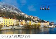 Купить «Aerial view of Grenoble with French Alps and cable car», фото № 28023298, снято 7 декабря 2017 г. (c) Яков Филимонов / Фотобанк Лори