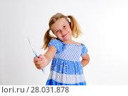 Купить «funny girl with space width and toothbrush», фото № 28031878, снято 15 декабря 2018 г. (c) PantherMedia / Фотобанк Лори