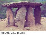 Купить «Pedra Gentil megalith», фото № 28048238, снято 9 октября 2016 г. (c) Яков Филимонов / Фотобанк Лори