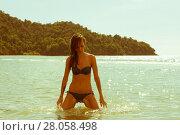 Girl and Ocean in Borneo. Стоковое фото, фотограф Evhen Marienko / Фотобанк Лори
