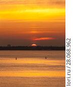 Купить «Sun above the horizon», фото № 28068962, снято 24 мая 2013 г. (c) Argument / Фотобанк Лори