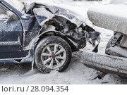 Купить «Crashed cars in accident on winter road», фото № 28094354, снято 22 февраля 2018 г. (c) EugeneSergeev / Фотобанк Лори