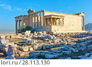 Купить «Ruins of the Erechtheion temple», фото № 28113130, снято 20 октября 2017 г. (c) Роман Сигаев / Фотобанк Лори