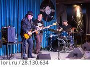 """Купить «Концерт группы Modern Blues Band и известный гитарист Гия Дзагнидзе в джаз клубе """"EverJazz"""". Екатеринбург», фото № 28130634, снято 7 января 2018 г. (c) Евгений Ткачёв / Фотобанк Лори"""