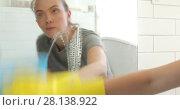Купить «Woman washing the mirror in the bathroom cleaning», видеоролик № 28138922, снято 7 марта 2018 г. (c) Ekaterina Demidova / Фотобанк Лори