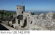 Купить «The Moorish castle in the municipality of Sintra, Portugal», видеоролик № 28142818, снято 4 мая 2017 г. (c) Алексей Кузнецов / Фотобанк Лори