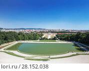 Купить «Вид на Дворец Шенбрунн и парк. Вена, Австрия», фото № 28152038, снято 14 августа 2012 г. (c) Наталья Волкова / Фотобанк Лори