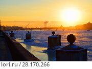 Купить «View of the Annunciation bridge and the sunset from Admiralty pier in winter», фото № 28170266, снято 7 марта 2018 г. (c) Максим Мицун / Фотобанк Лори