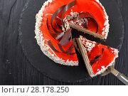 Купить «torte layered with cream cheese mousse», фото № 28178250, снято 3 марта 2018 г. (c) Oksana Zh / Фотобанк Лори